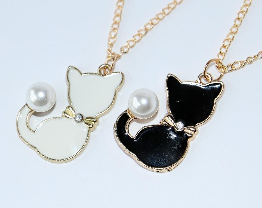 černé a bílé kočička obrázky